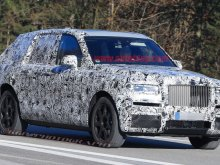 Rolls-Royce Cullinan снова показался перед камерами