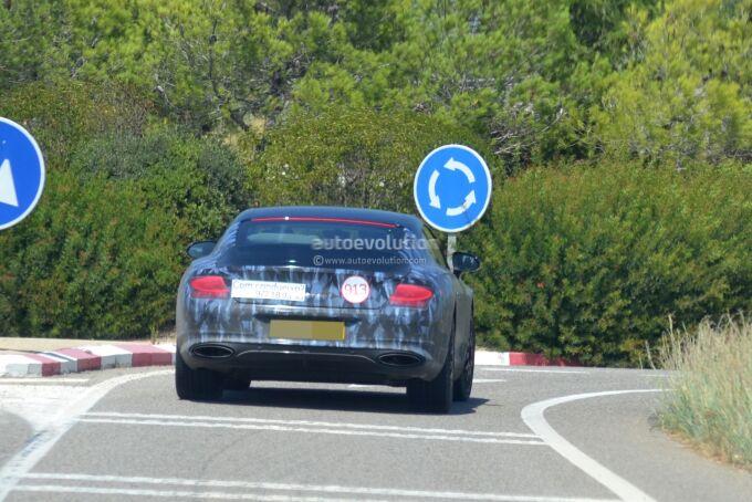 Bentley Continental GT тестируют с серийным оснащением (Видео)