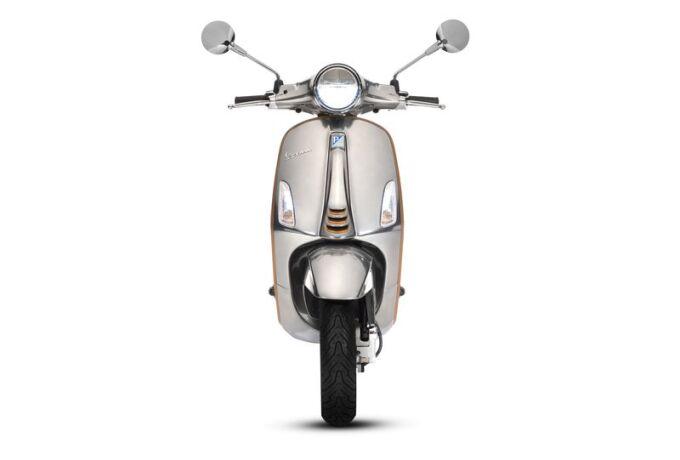 Полностью электрический скутер Vespa показали в Милане